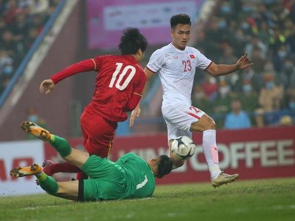 Bóng đá Việt Nam sáng 28/12: HLV Park Hang Seo bảo vệ Công Phượng