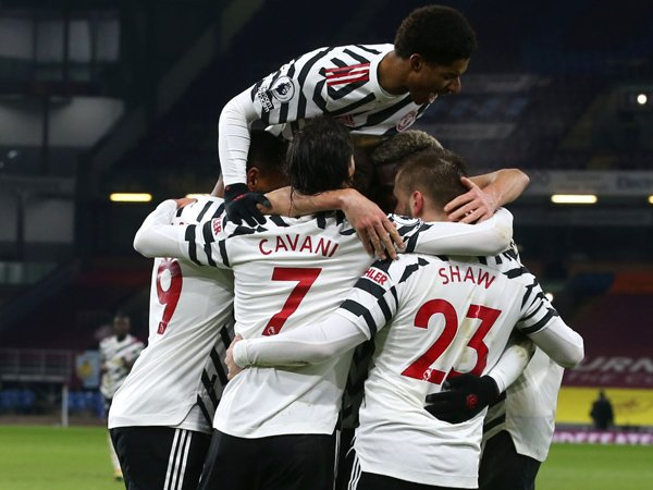 Bóng đá quốc tế 13/1: HLV Solskjaer chỉ ra bước ngoặt giúp MU thắng Burnley
