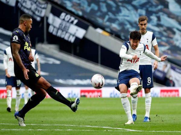 Bóng đá Anh tối 8/9: Son Heung Min dính chấn thương, Tottenham lo lắng